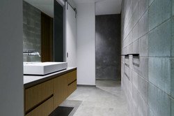 slater bathroom