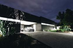 VK House - Entry Garage