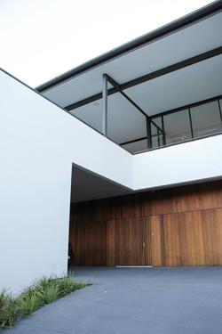newport residence driveway access