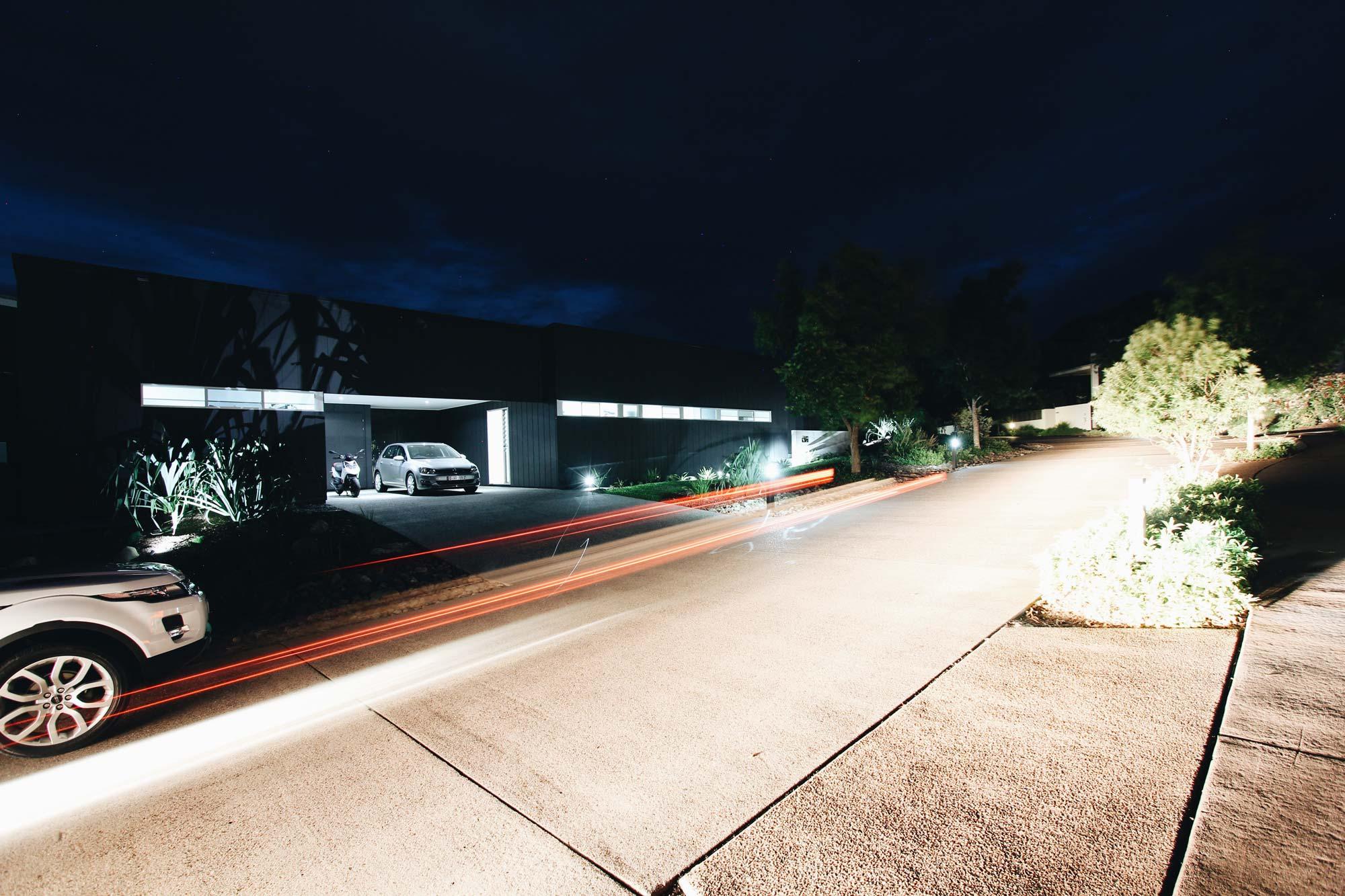 VK House - Driveway night