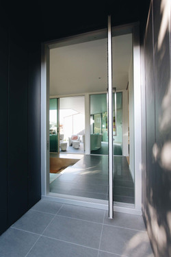 VK House - Entry