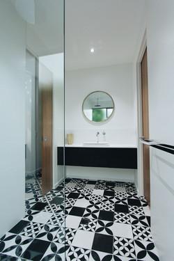 papillivon bathroom