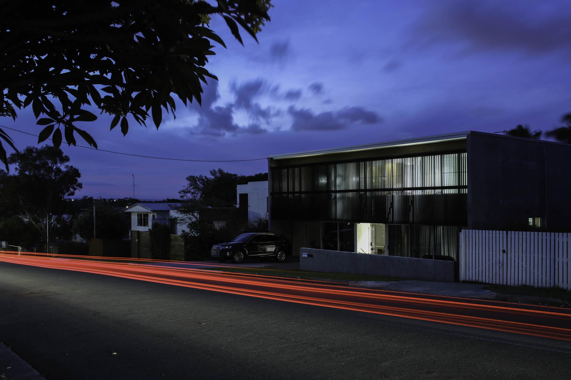 slater night street-scape