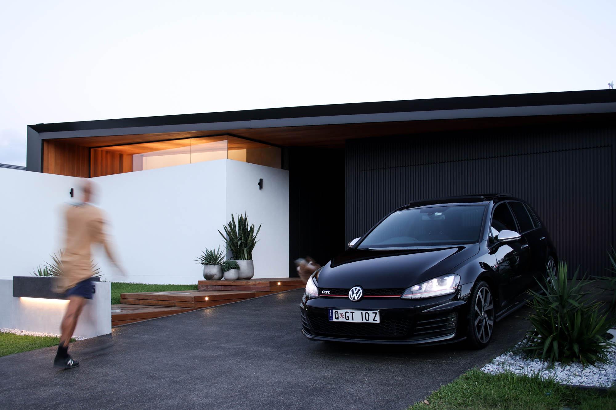 lawrie driveway entry