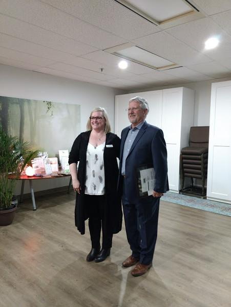 Heidi (Executive Director) & Mayor Barrow