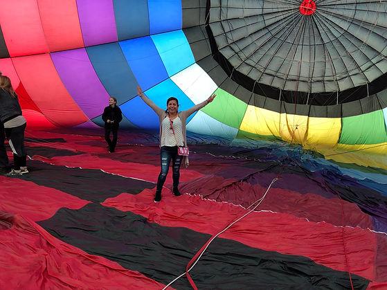 Balloon rde tour inside hot air balloon