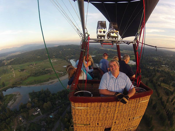 Captains thank you to balloon ride passengers over Snohomish River