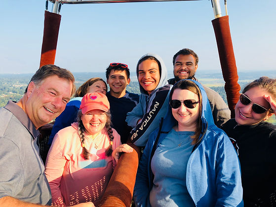 Family balloon ride near Mt Rainier and White River