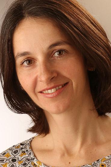 Elle Erhardt, Craniosacral-Therapeutin, Zusatzausbildung für Kinder und Babys in Visp und Zerm