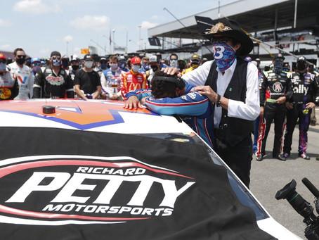 NASCAR rallies around Wallace as FBI investigates noose