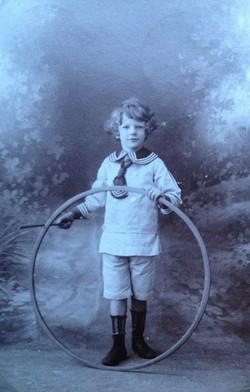 Paul, 1908