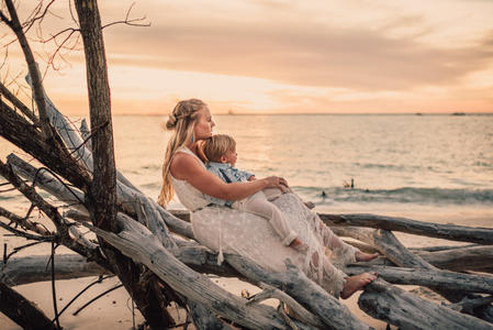 Fallon Photography: Lifestyle Family Photos Beer Can Island Longboat Key Beach Sarasota Photographer