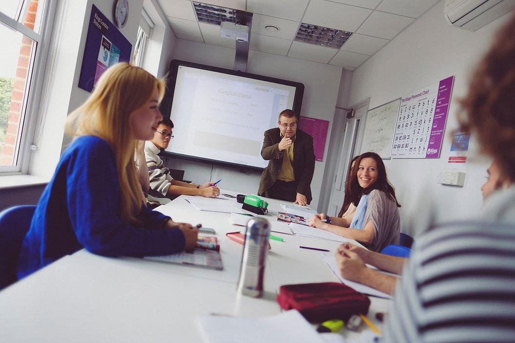 Kurz angličtiny a obchod a finave, pobytový kurz v Anglii. Obchodní angličtina