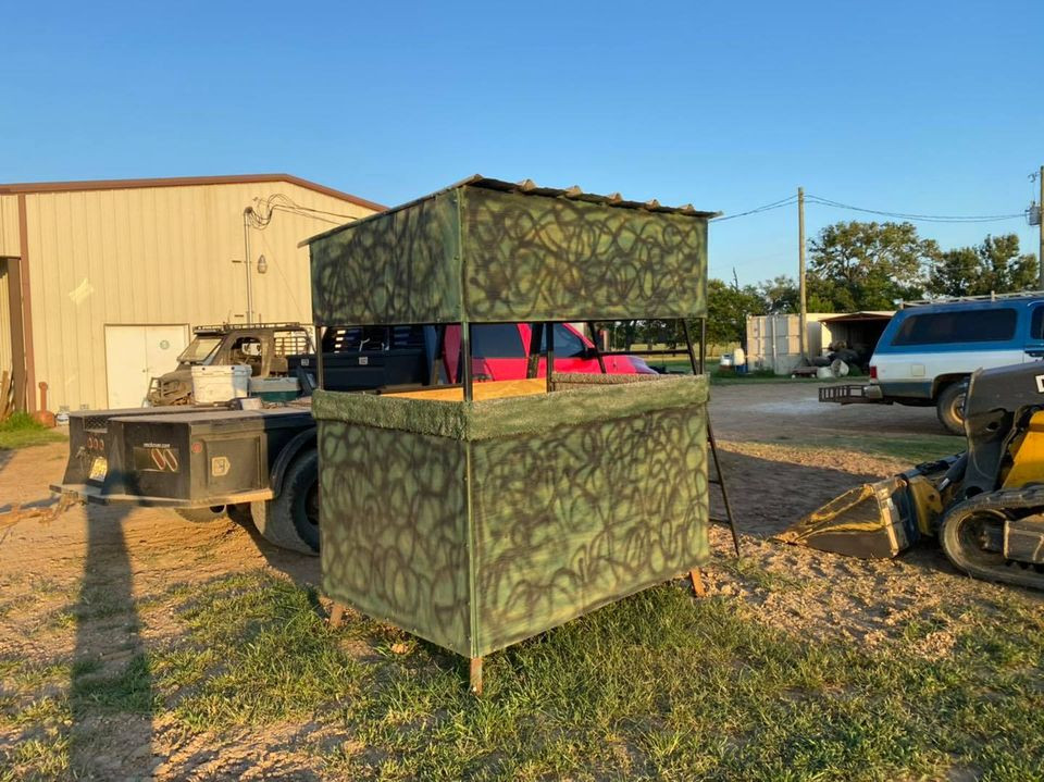 Texas Hog Hunting Outfitters - New Comfortable Blinds For Our Clients