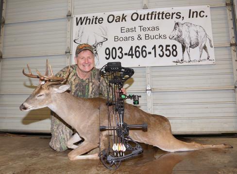 AussieJohn Hossack Hunts Whitetail In East Texas