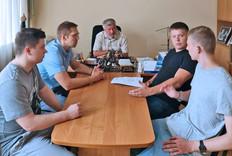 Руководитель фракции ЛДПР Александр Балберов обсудил с активом партии предстоящие выборы
