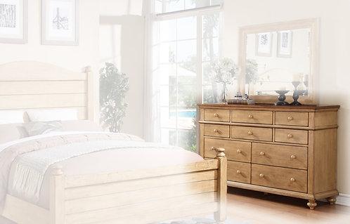 "Quaint Retreat 60"" 10-Drawer Dresser"