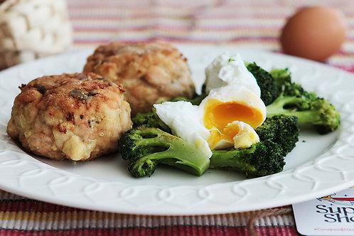 Мясные биточки с брокколи и яйцом пашот