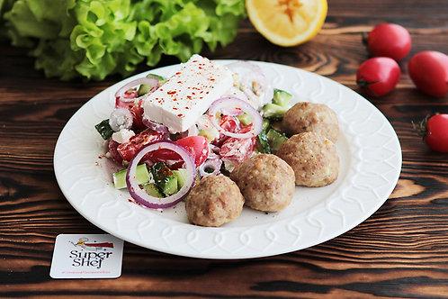 Котлетки Кефтедес с греческим салатом