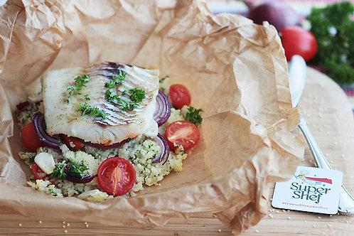 Рыбка с кус-кусом и овощами в пергаменте