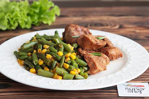 Индейка в соевом соусе с розмарином и пряными овощами