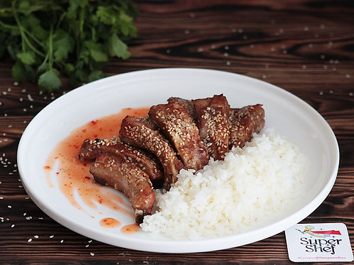 Рёбрышки свиные в медово-кунжутном маринаде с рисом