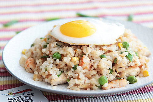 Наси Горенг – жареный рис с мясом и креветками