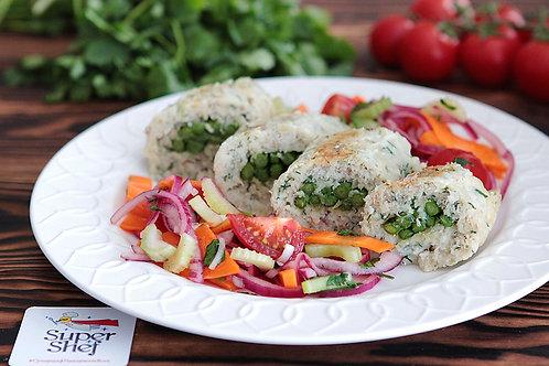 Рыбный рулет со спаржей и овощным салатом