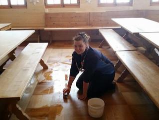 Glowing Life – Scrubbing Floors