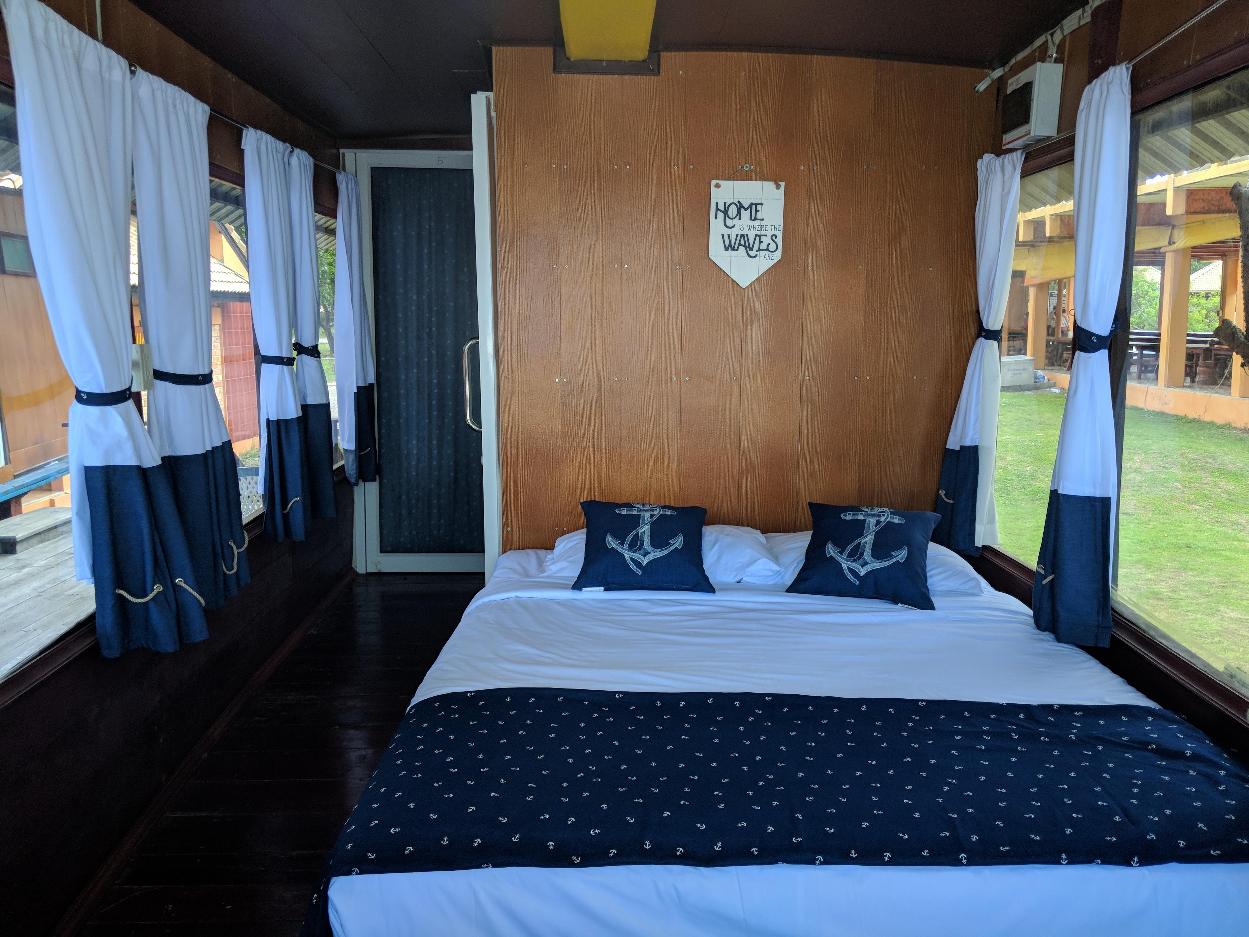 inside boat hotel1