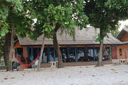 10 person bungalow