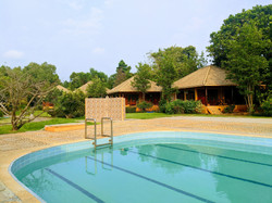 bungalows with pool