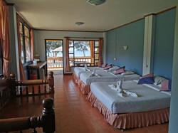 sleep 5 blue room
