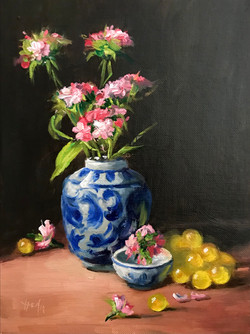 Ginger Jar with yellow Grapes