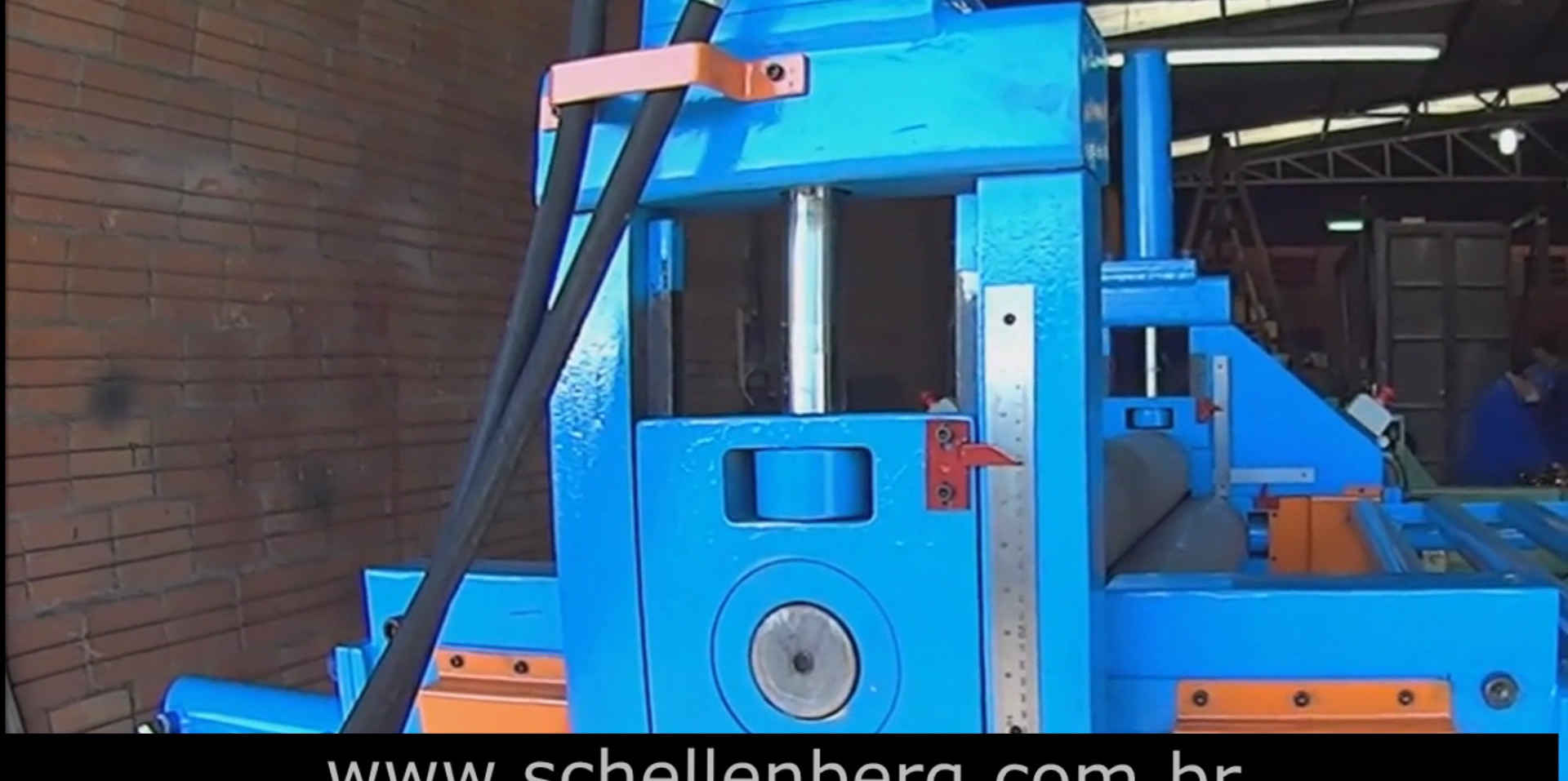 Calandra Hidráulica para Chapas de Aço 13 x 1550 mm