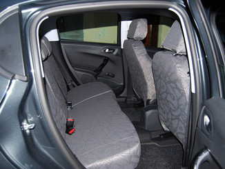 15 Peugeot 208