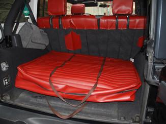 48 Jeep Wrangler JK 5 porte borsa tett