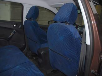 30 Peugeot 2008