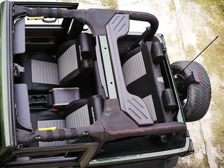 42 Jeep Wrangler JK 3 porte.jpg