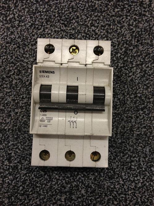 Siemens 25A Type C Triple Pole Circuit Breaker