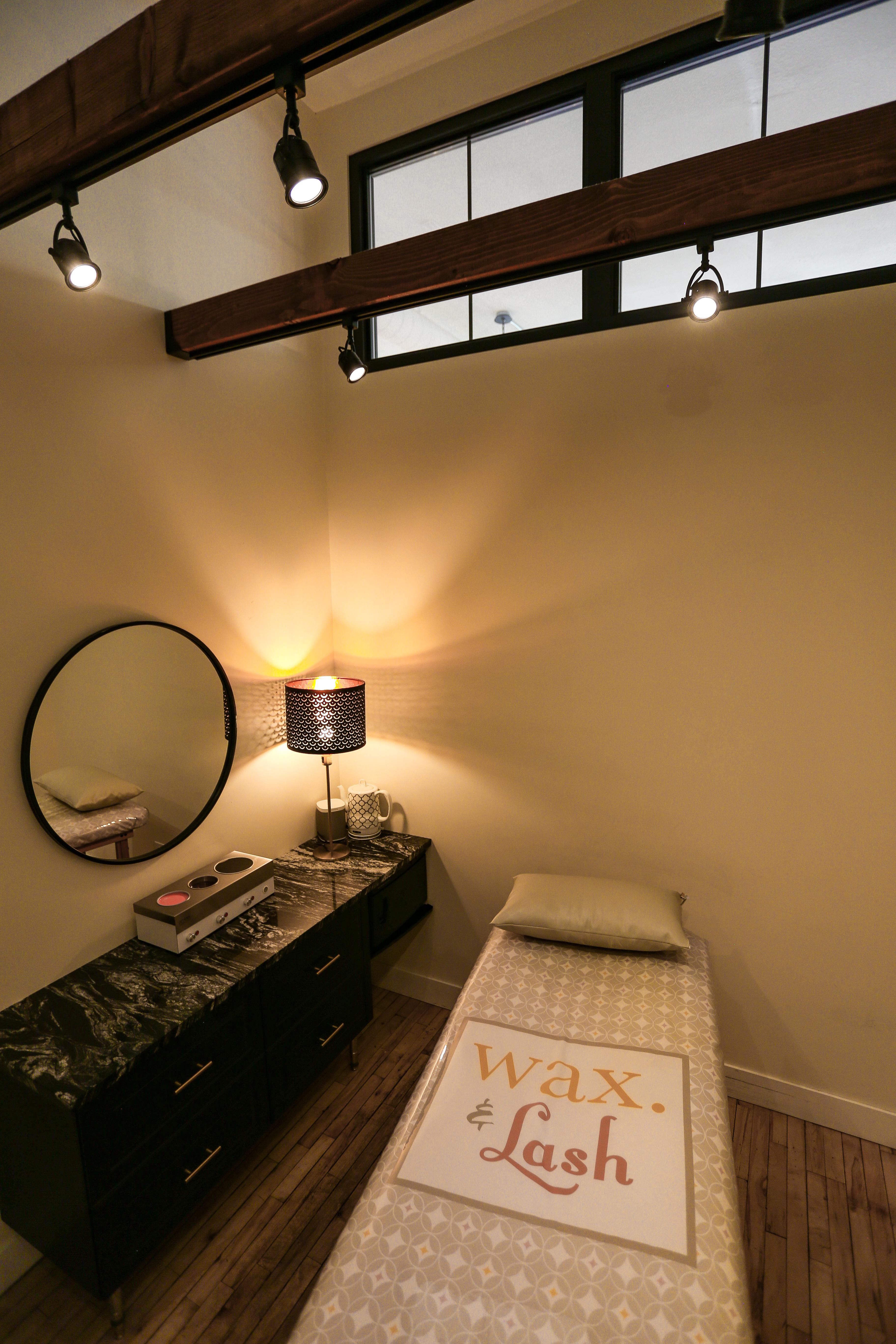 waxlashtreatmentroom