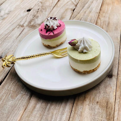 Yummy Raw Roselle and Kaffir Lime Cakes