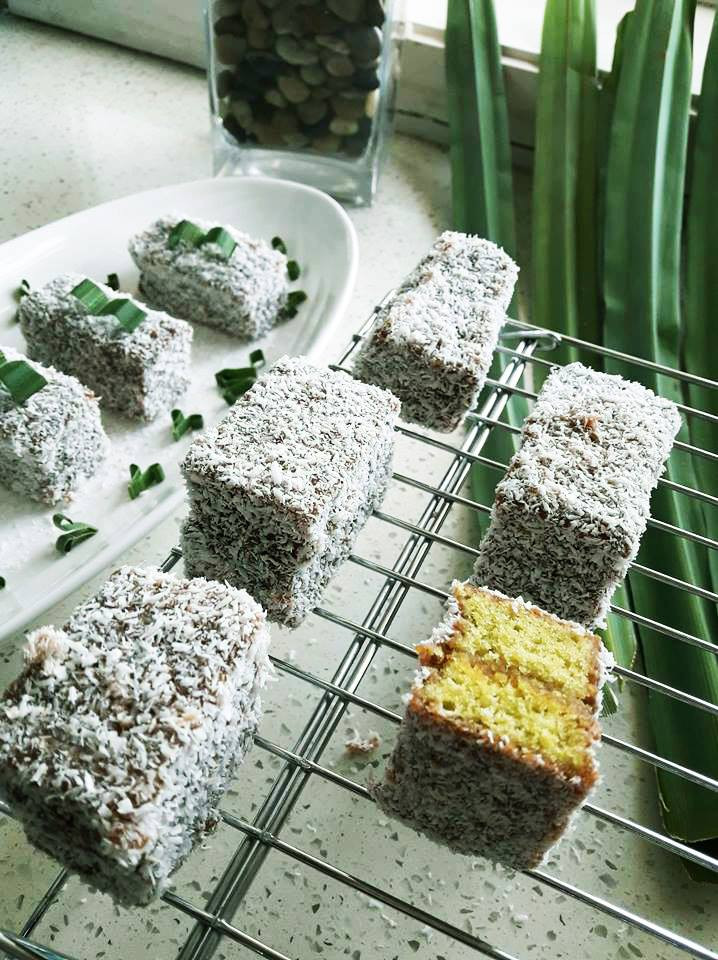Lamingtons | Pandan | MY BLUE TEA
