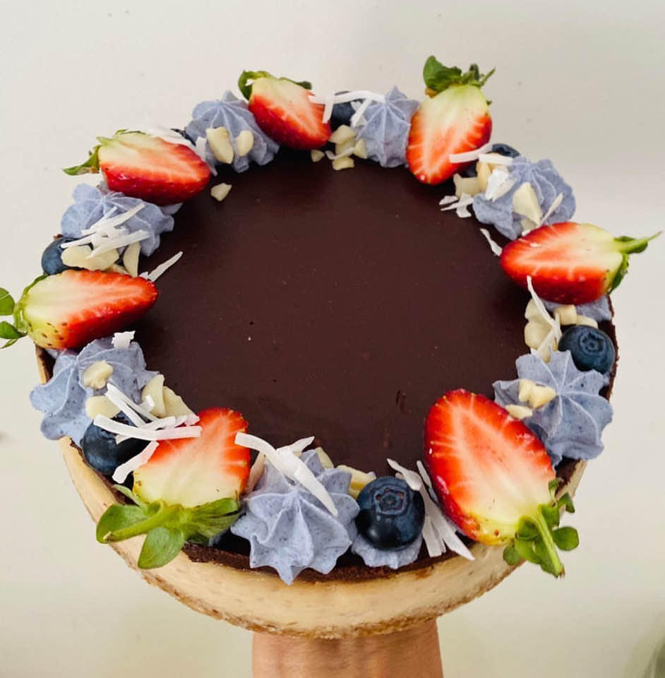 Yummy Raw Blue and Chocolate Cake