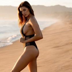 miss-Alyssa-Arce-swimsuit-2