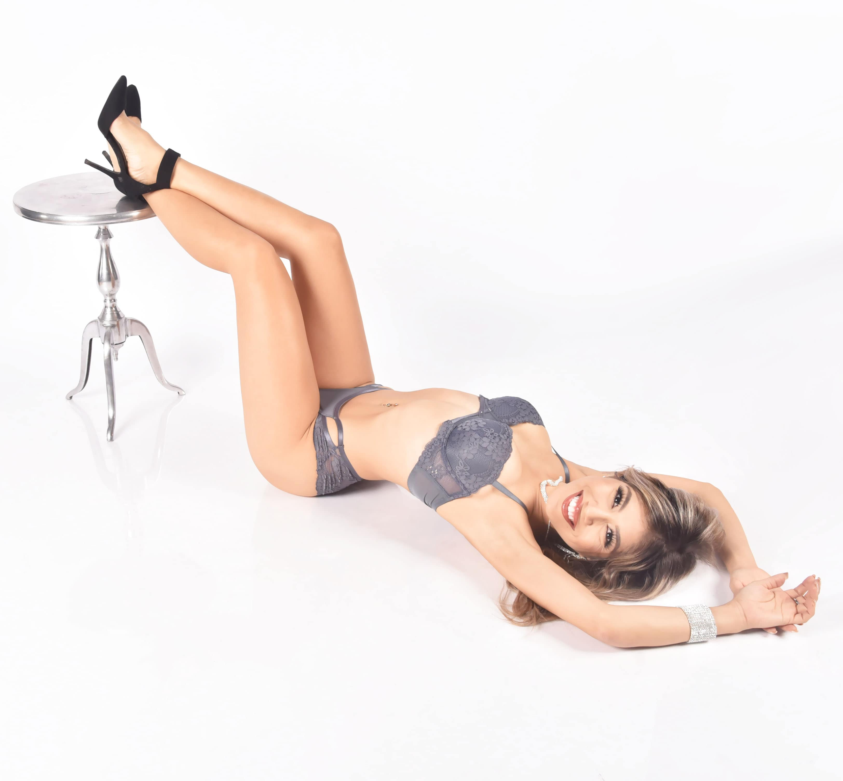 Private one on one stripper for hire
