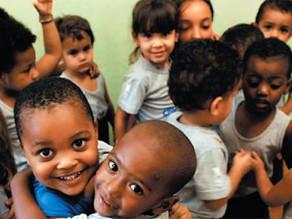 40% das crianças de 0 a 14 anos vivem na pobreza no Brasil