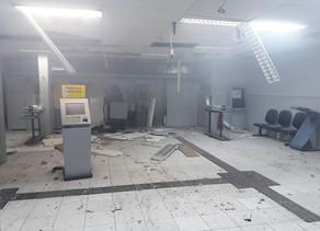 Bandidos explodem Banco do  Brasil de Flores e aterrorizam moradores