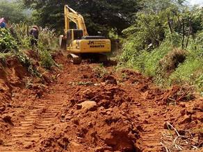 Prefeitura realiza trabalhos de recuperação de estradas em Jericó