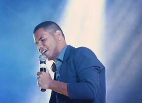 Cantor triunfense Igor Alves anuncia gravação do seu 1º CD